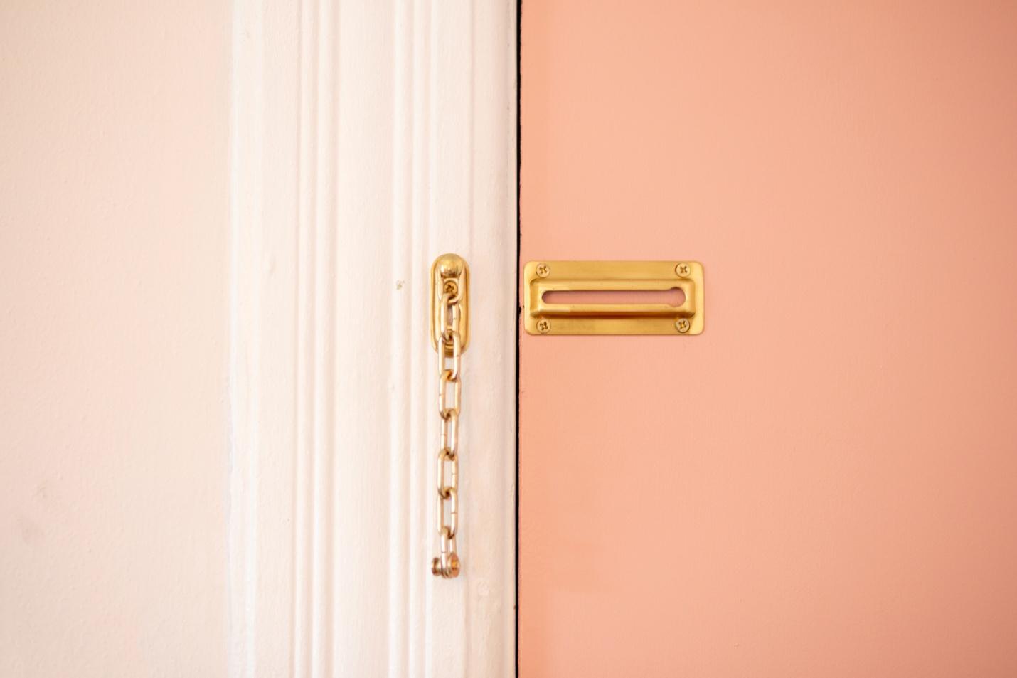 pink chain door lock